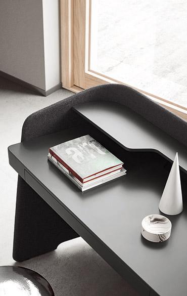 scrittoio vanity dettaglio piano in laccato lavagna con cassetto design Emmanuel Gallina per Pianca