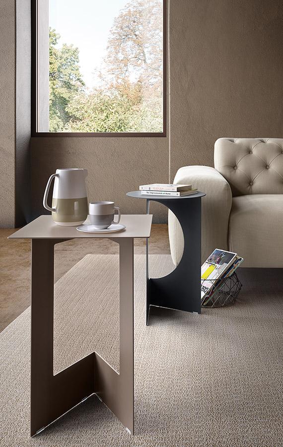 duetto design tim kerp per pianca realizzato in lamiera piegata di differente forme quadrato o rotondo