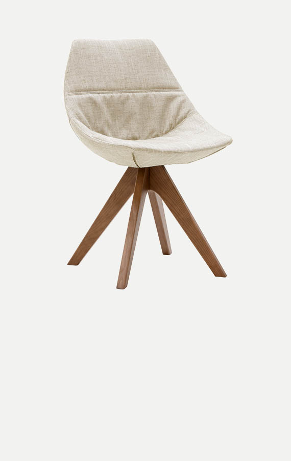 gamma sedia imbottita sfoderabile con gambe in legno Pianca