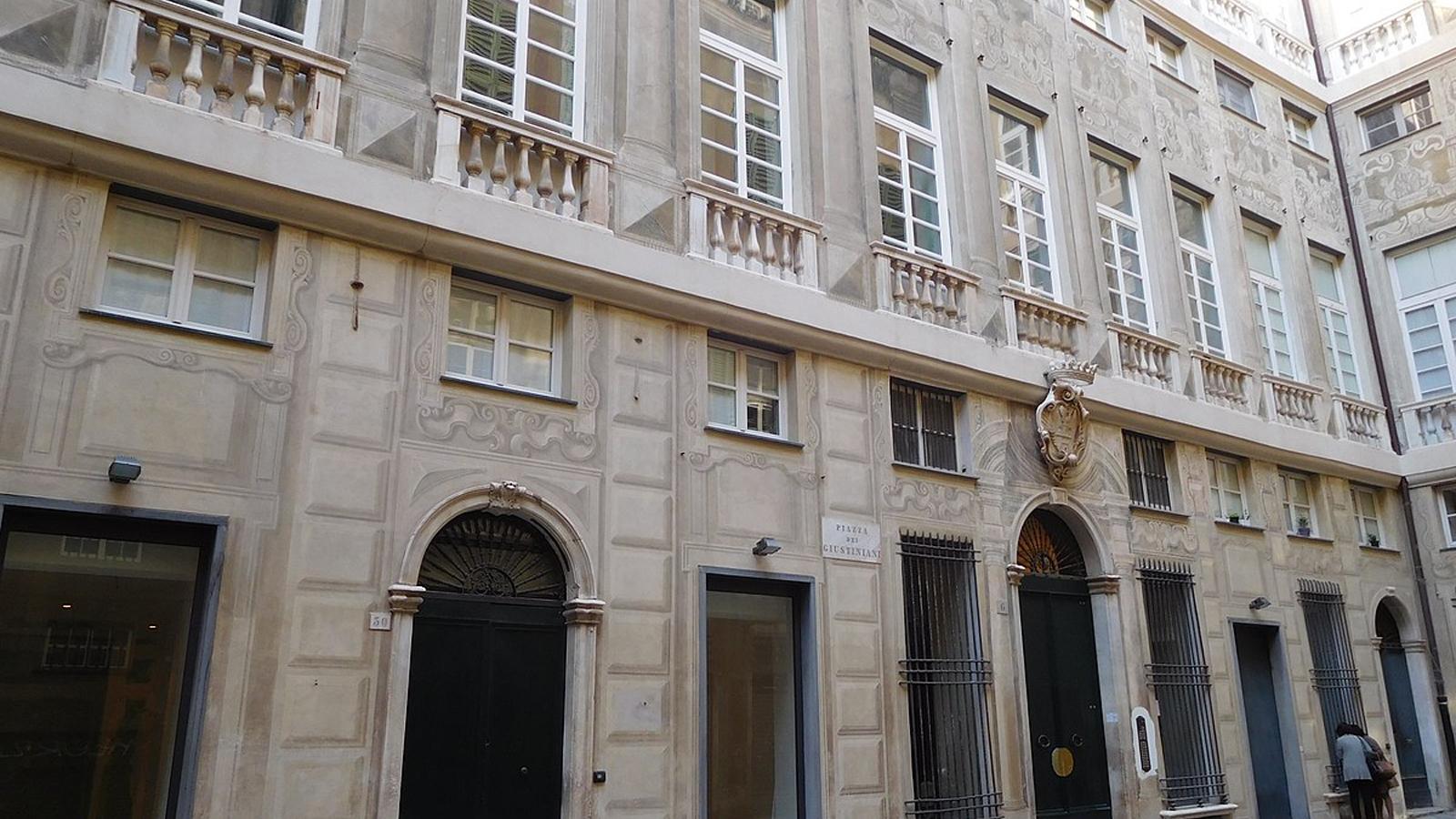 Il primo flagship store italiano