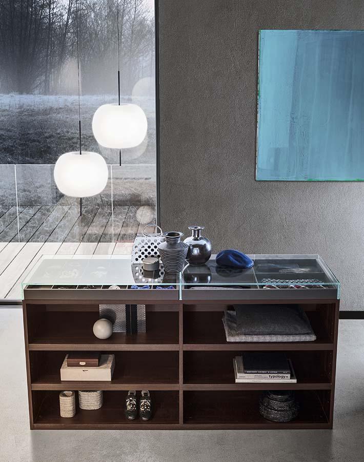 cassettiera con teca di vetro trasparente, cassetti e ripiani Island by Pianca