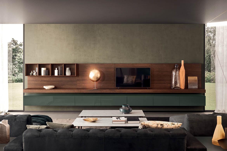 composizione tv per soggiorno in rovere tabacco e laccato verde bosco con contenitori a ribalta