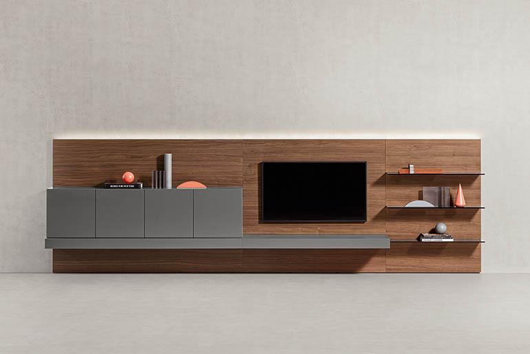 composizione tv per soggiorno con ripiani in metallo e cassetti pianca