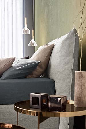 piumotto bed with headboard uphlostered pianca design Andrea Castrignano