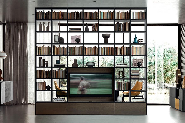 libreria in legno bifacciale a tutta altezza con porta televisore girevole e cassettoni