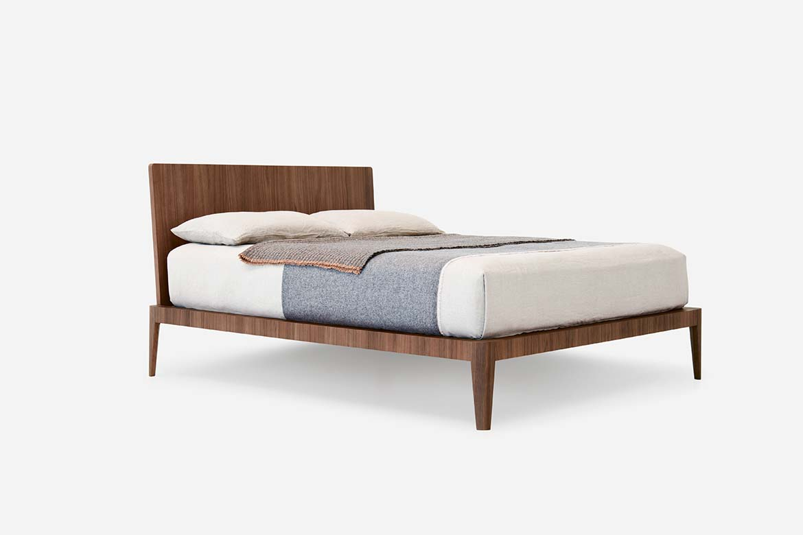 spillo in canaletto wood bed pianca