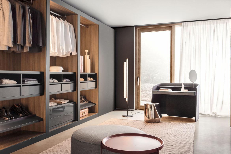 Sipario modern italian closet, chloe vanity desk design emmanuel gallina and haik sitting in ceramic material Pianca