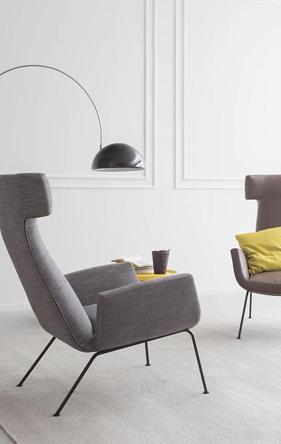 Poltrona dora in tessuto con gambe in metallo design studio metrica per Pianca