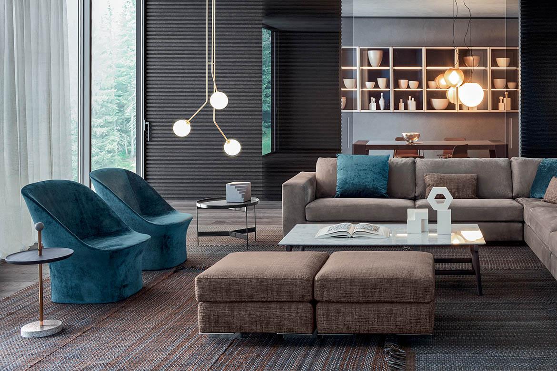 soggiorno pianca divano meridiano in pelle con pouff, tavolino fushimi design philippe tabet, poltrone esse lounge, tavolino contralto pianca
