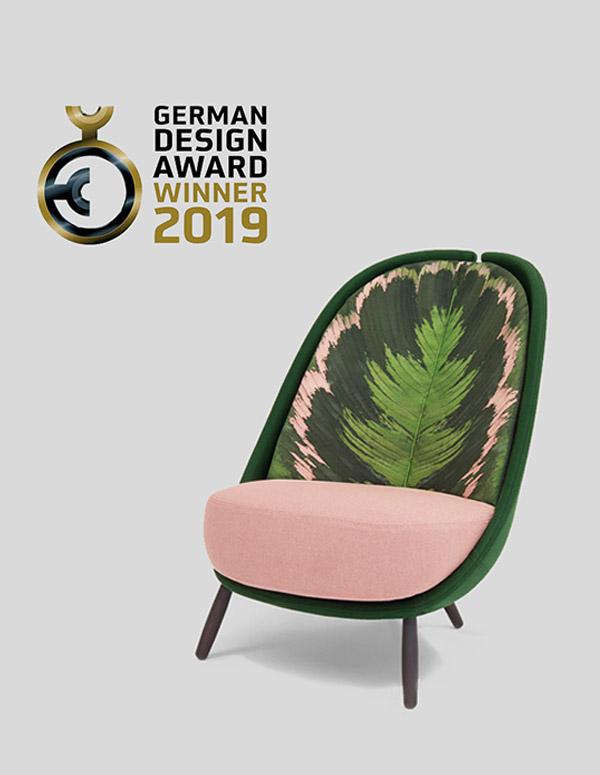 german design award 2019 vince l'ambito premio la poltrona Calatea disegnata da Cristina Celestino per Pianca