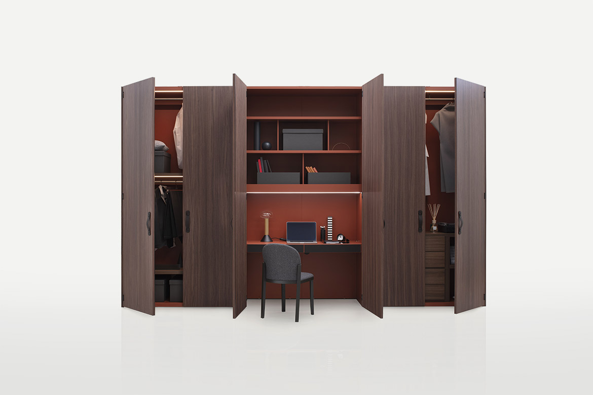 Pianca Plana wardrobe with hinged, sliding, flush sliding and Cardine hinged wooden doors available in lacquered and wood finish