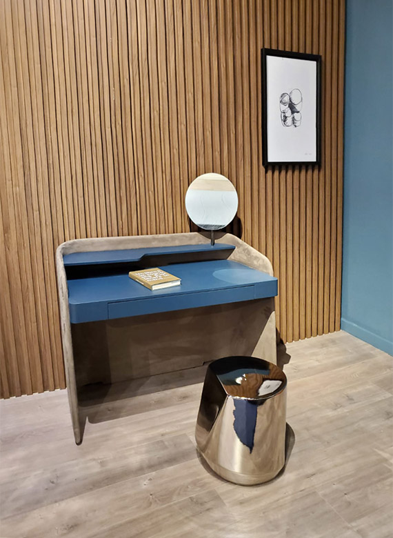 vanity scrittoio chloe design Emmanuel Gallina e tavolino haik design Emilio Nanni per pianca
