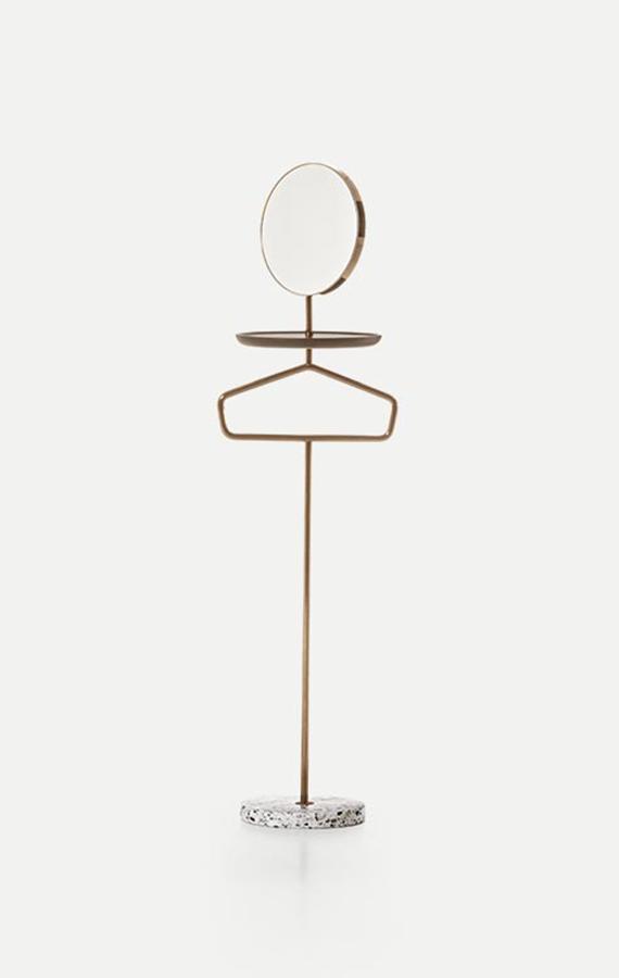 servitore con specchio e asta appendi abiti con base in terrazzo arlecchino design cmp studio per pianca
