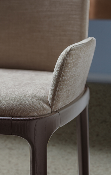 inari upholsteres chair designed by philippe tabet per pianca
