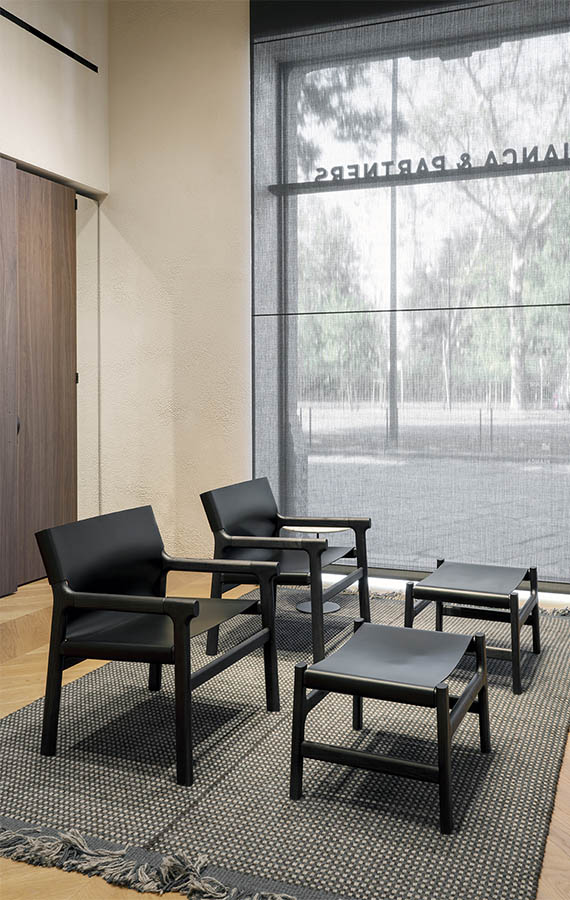 https://pianca.com/wp-content/uploads/2020/12/FUSHIMI-LOUNGE-armchair-PIANCA_BIG_V_03.jpg