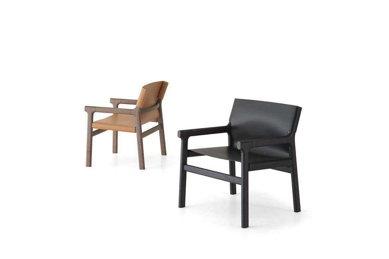 fushimi lounge design philippe tabet nuovi prodotti disegnati per pianca, poltrona con struttura in legno e seduta in cuoio nero o arancione hermes