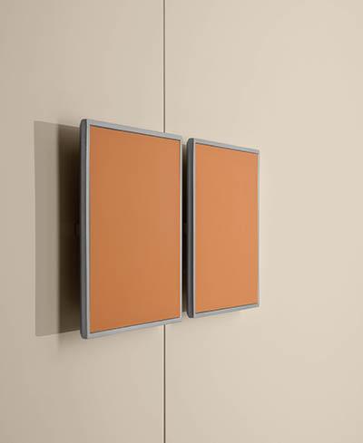 maniglia in metallo di forma quadrata interno in cuoio o legno per armadio Pianca